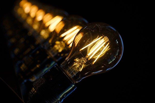 světla žárovek.jpg